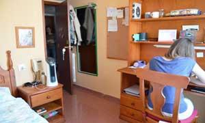 Dormitorio individual en la residencia universitaria de Zaragoza Inmaculada